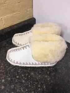 AUTHENTIC SHEEP SKIN SLIPPERS London Ontario image 4