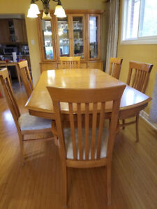 Solid wood natural maple table, 6 chairs, sideboard with hutch