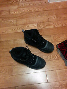 Snow boot size 8
