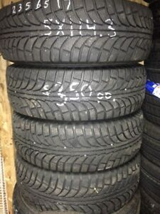[4] P215/65/15'' or 16'' @90% New (514) 991-3317 James Like New*