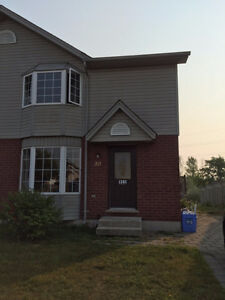 Fanshawe Student Rental 4 bedroom available May 1st!