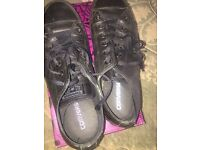 Converse All Black Leather size8