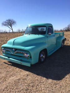 1953 Ford F-100 Short Box