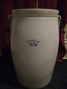 Antique Stoneware 8 Gal Crown Butter Churn