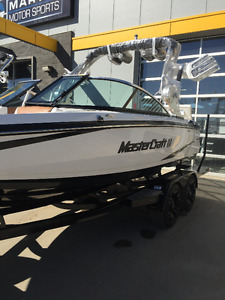 2015 Mastercraft X2 - ONLY 7 hours - No GST