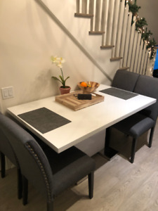 BRAND NEW, BARELY USED DINING TABLE!