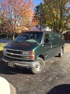 2002 Chevrolet Express Minivan, Van