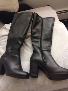 Selling BRAND NEW pair of knee high boots!!! Kitchener / Waterloo Kitchener Area image 2
