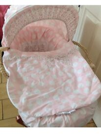 Mamas and papas Moses basket stand and bedding