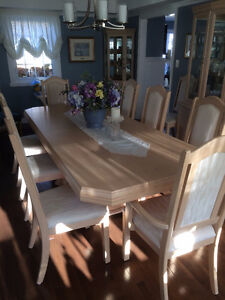 12 piece dinning set - like new