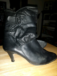 Women's Boots Size 7 1/2