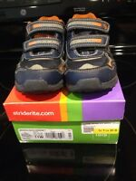 Stride rite 11w running shoes