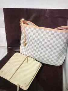 Genuine Louis Vuitton Purse For Sale Kitchener / Waterloo Kitchener Area image 10
