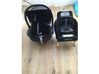 Maxi cosi car seat and easyfix car seat base