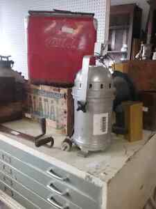 Motor oil tins, scales,  cast safe + 600 booths to explore  Stratford Kitchener Area image 3