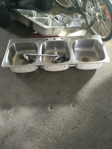 2 stainless sinks