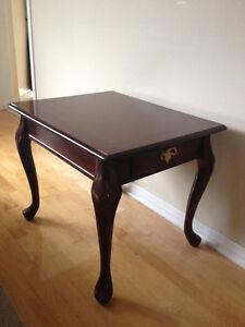 Coffee Table with drawer West Island Greater Montréal image 1