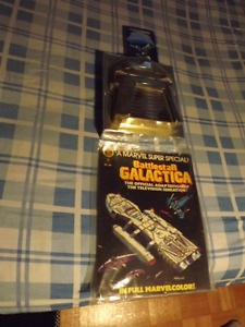 BATTLESTAR GALACTICA ITEMS:1978 LARGE COMIC BOOK+BOOK+DVD SET