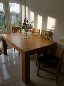 Solid Oak Dining Extendable Table & 6 Chairs