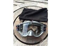 Pro grip motocross goggles. Anti-fog. Anti-scratch.
