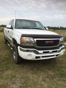 2004 GMC Sierra 2500HD Duramax Diesel Auto loaded