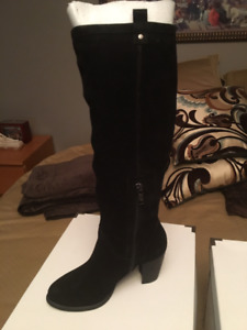 Women's Ugg Tall black suede Boot, AVA Size 7