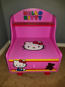 Hello Kitty Table with Drawer!