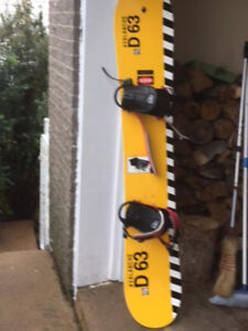 Vintage Avalanche D Series - D63 Snowboard with Bindings