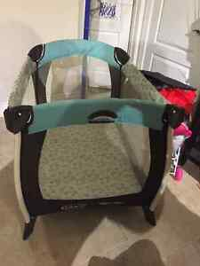 Graco Pack n' play playpen with bassinet and changing table