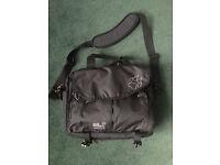 Jack Wolfskin Note Pack laptop bag with shoulder strap