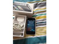 iPhone 4s on 02/giffgaff/ tesco ( excellent condition)