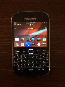 BLACKBERRY BOLD 9900 8GB UNLOCKED WITH charger FONCTION WELL 51