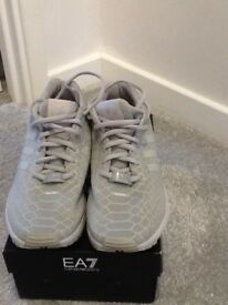 Adidas trainers size 7 imaculate