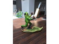 Wine holder- frog design