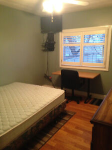 Beautiful room in Alliston for students or employed person