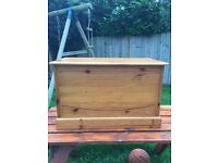 Pine toy box or good for blankets and towels