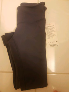 BNWT Lululemon wunder under tights size 2 $80