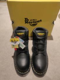 Dr Martens Safety boot size 9(UK) size 8(UK)