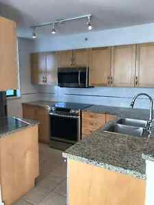 $2200 / 2br - 1200ft2 - Brentwood Condo Available February 1st,