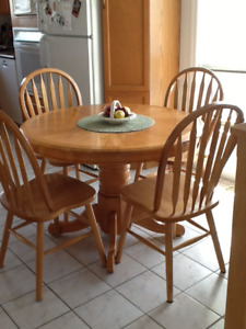 Oak Round Table with Leaf and Chairs