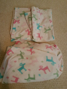 Twin pillow cases and fitted sheet