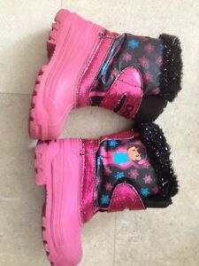 Dora Toddler Girl's boots Cambridge Kitchener Area image 1