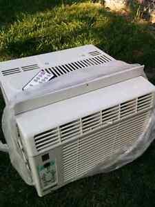 Air conditioner  / air climatise 5000 btu