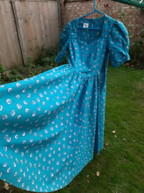 Vintage and Iconic Laura Ashley Dress circa 1980s - Size 12
