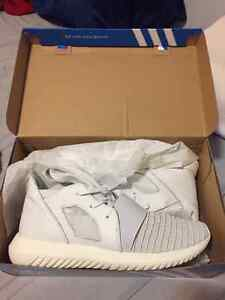 NEW ADIDAS TUBULAR DEFIANT!! NEVER WORN