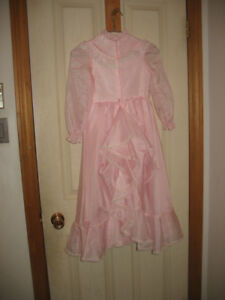 Girls kids size 6 light pink dress with lace