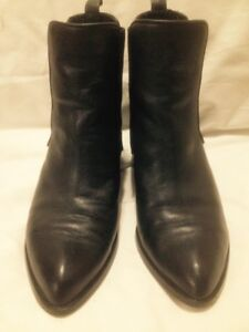 Ladies Wishbone Collection Black All Leather Short Chelsea Boots