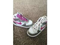 Girls uk 6.5 Nike trainers
