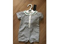 *NEW WITH TAGS * AUTOGRAPH BY MARKS & SPENCER aged 0-3 months outfit with hat