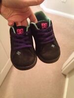 Girls size 6 dc shoes